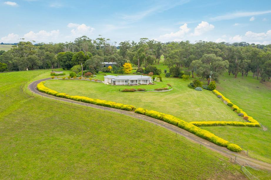 160 Centre Spur Road, Cooriemungle VIC