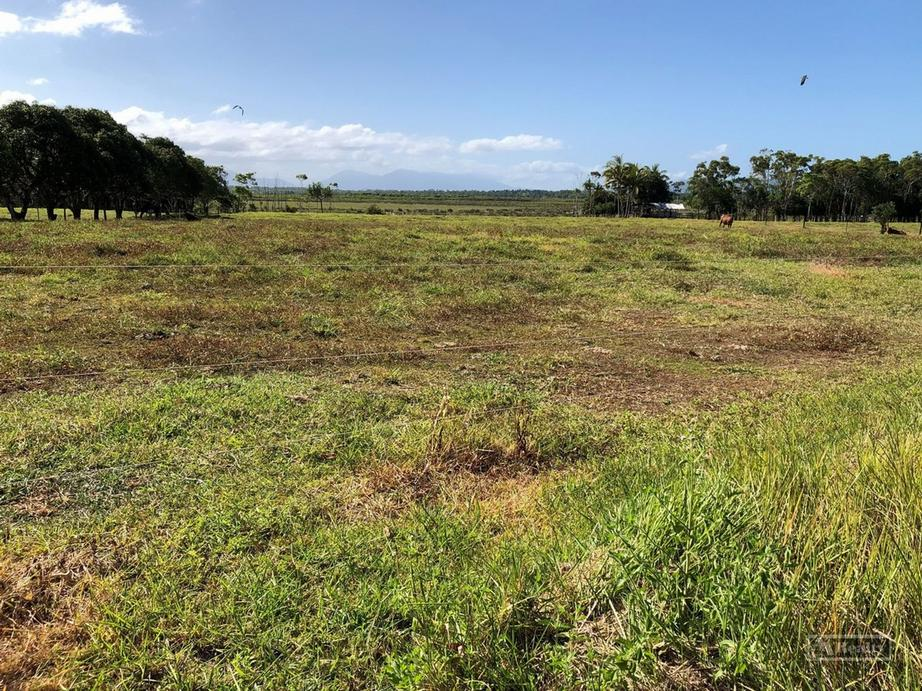 Address available by request, Etty Bay QLD
