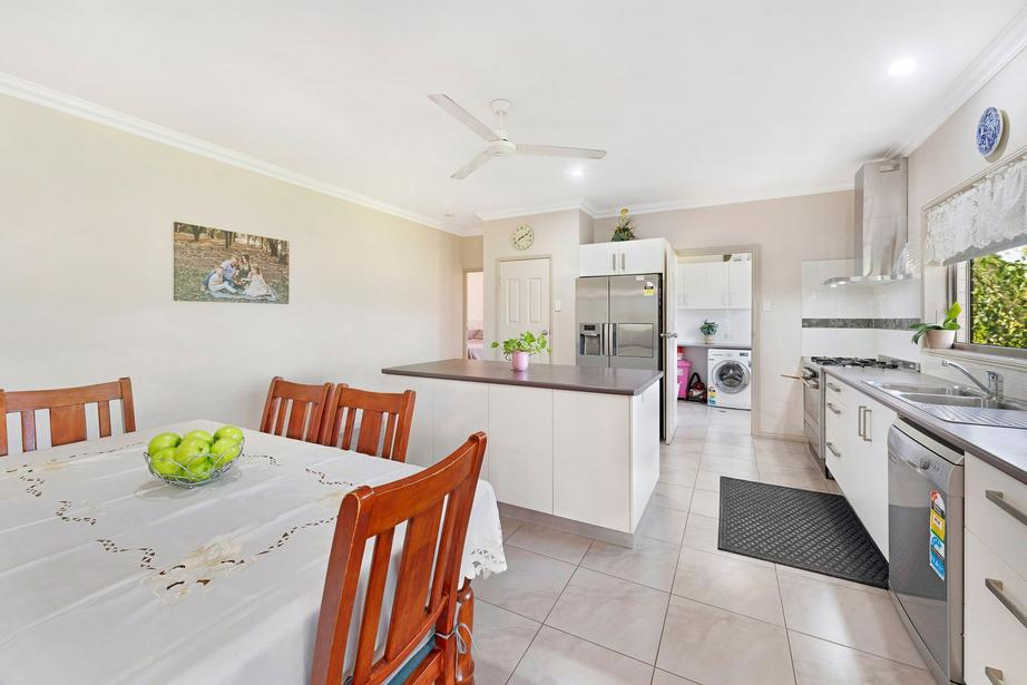195 South Littabella rd, Yandaran, QLD 4673