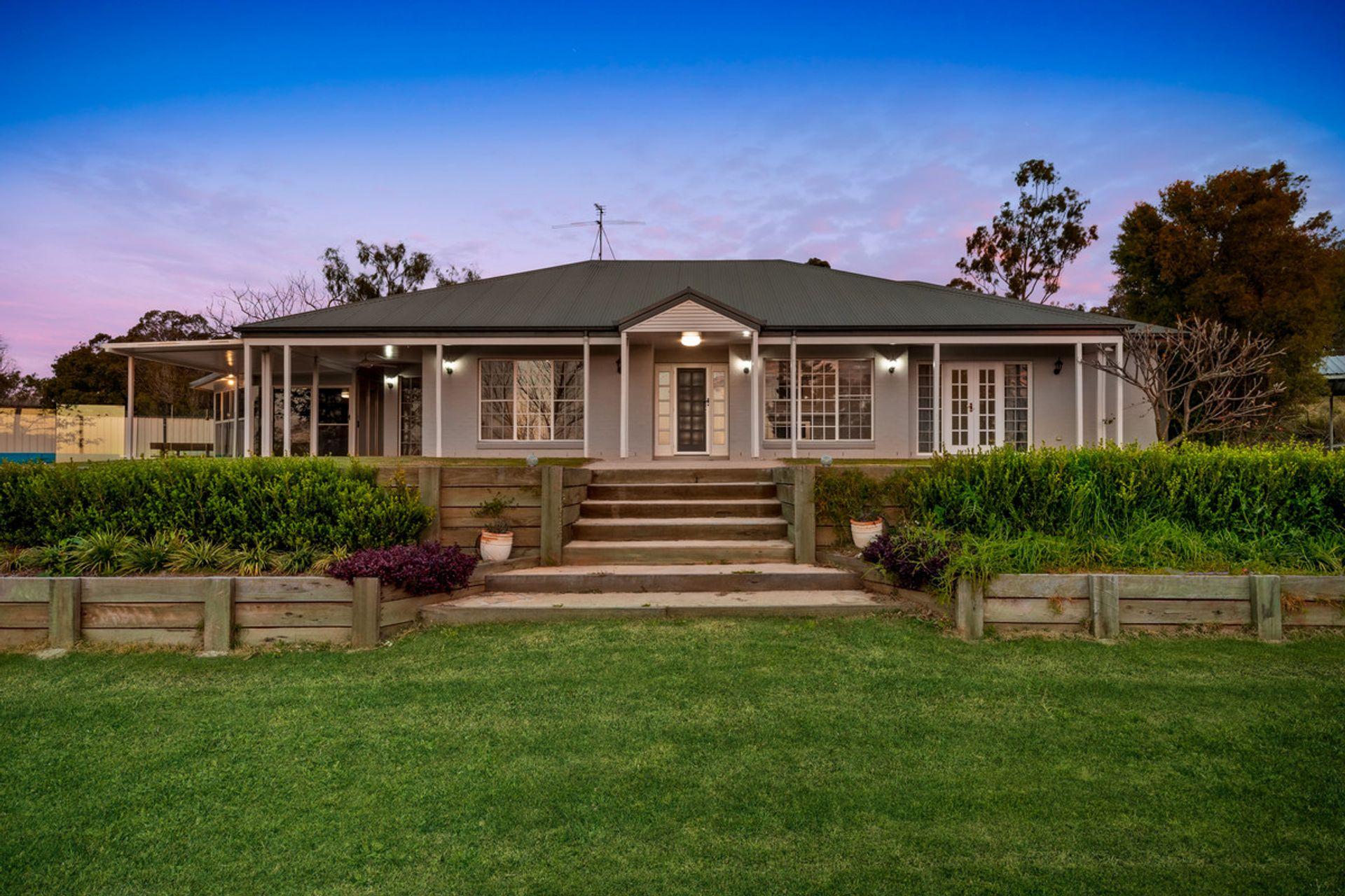 6 Ash Court, Glenvale, QLD  4350