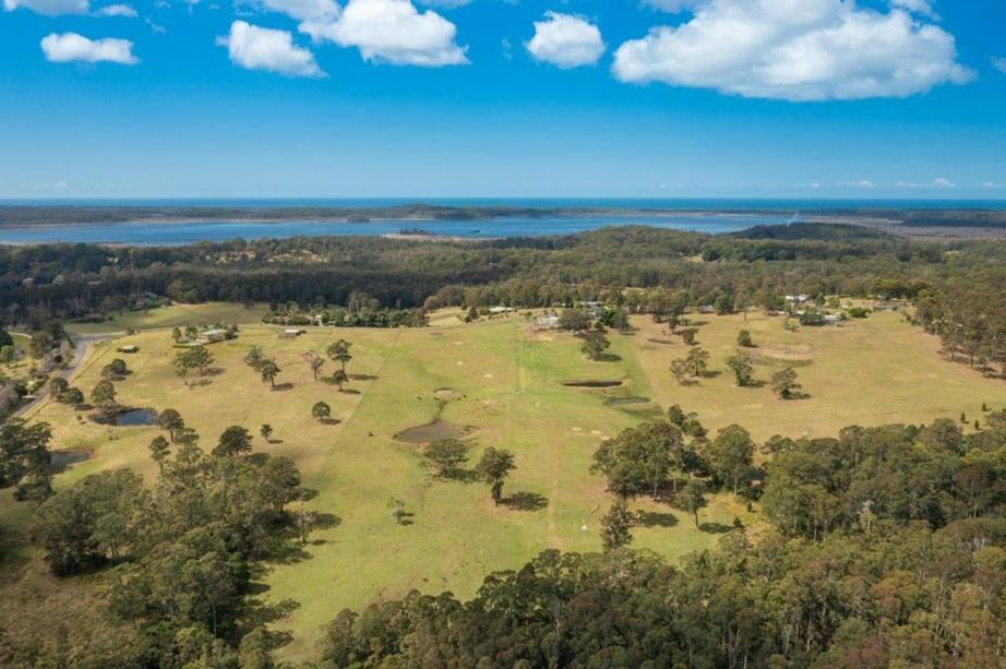655 Lake Innes Drive, Lake Innes, NSW 2446
